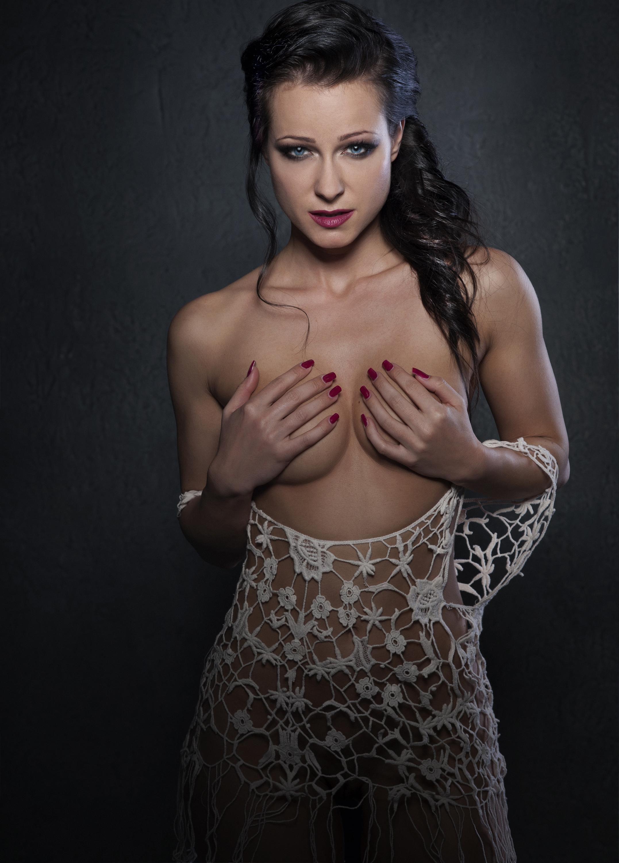 Cover Shot – Melisa Mendini – Dan Hostettler Photography